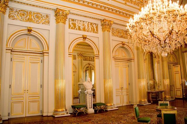 Royalement blog le palais royal la salle empire for Salon du mobilier paris