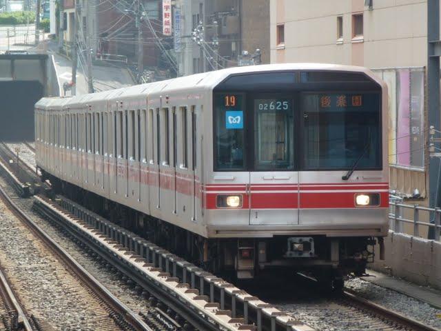 東京メトロ丸ノ内線 後楽園行き1 LED(平日2本運行)