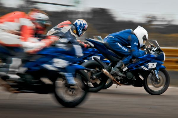 Yamaha-Motor-India-Yamaha-One-Make-race-YAMAHA-YZF-R15-Version 2.0 - India