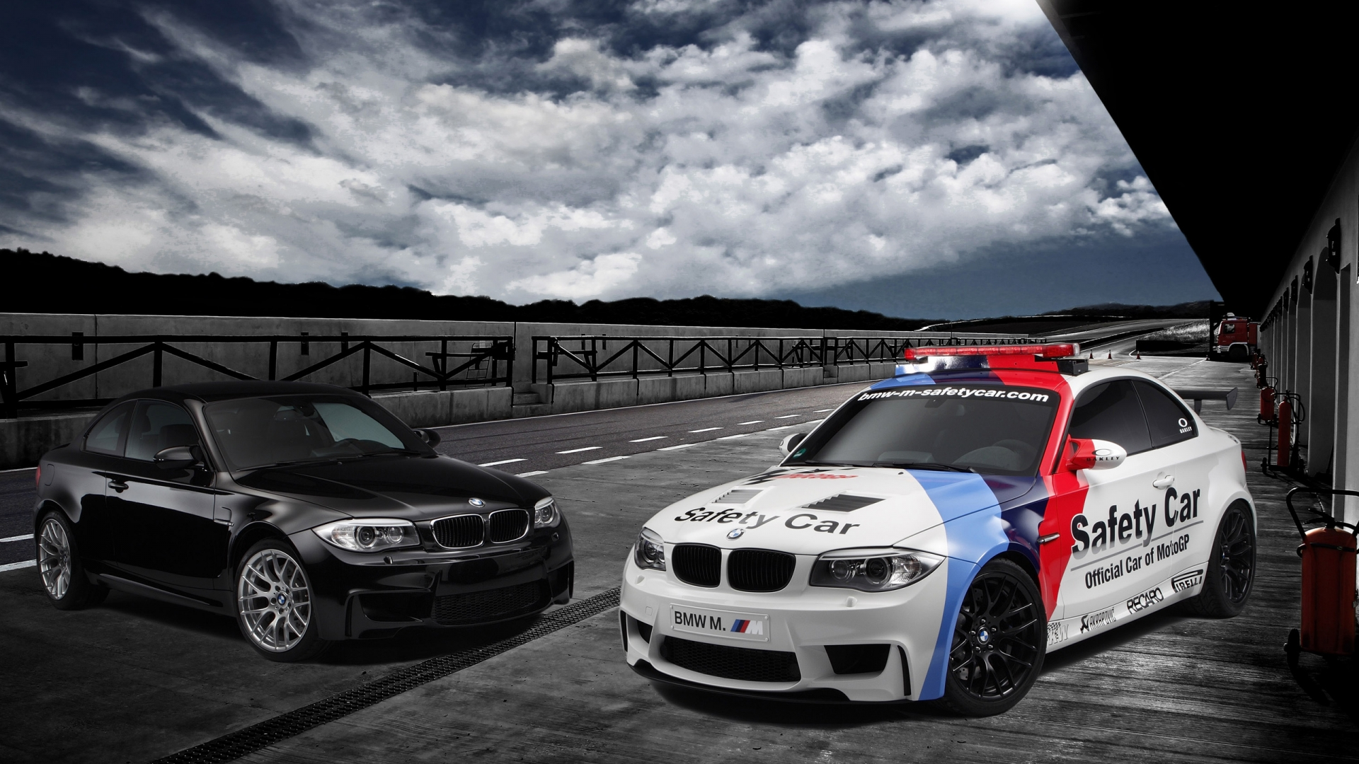 http://3.bp.blogspot.com/-xmaTeBKSHIc/UEheco5-HGI/AAAAAAAAI0c/r7m0mnxYahU/s0/bmw-1-series-m-coupe-safety-car-1920x1080-wallpaper.jpg