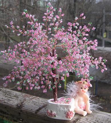 árbol de chaquira hecho a mano