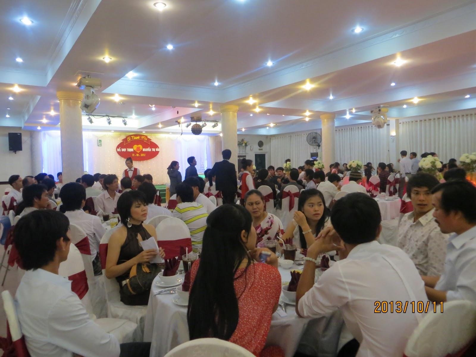 Nhà hàng chuyên tổ chức tiệc cưới, hội nghị, tiệc sinh nhật, tiệc thôi nôi chuyên