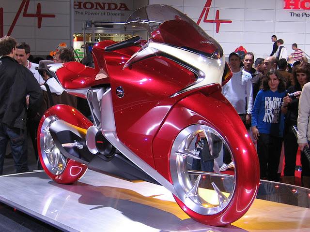 Foto Sepeda motor model konsep V4 di Intermot 2008
