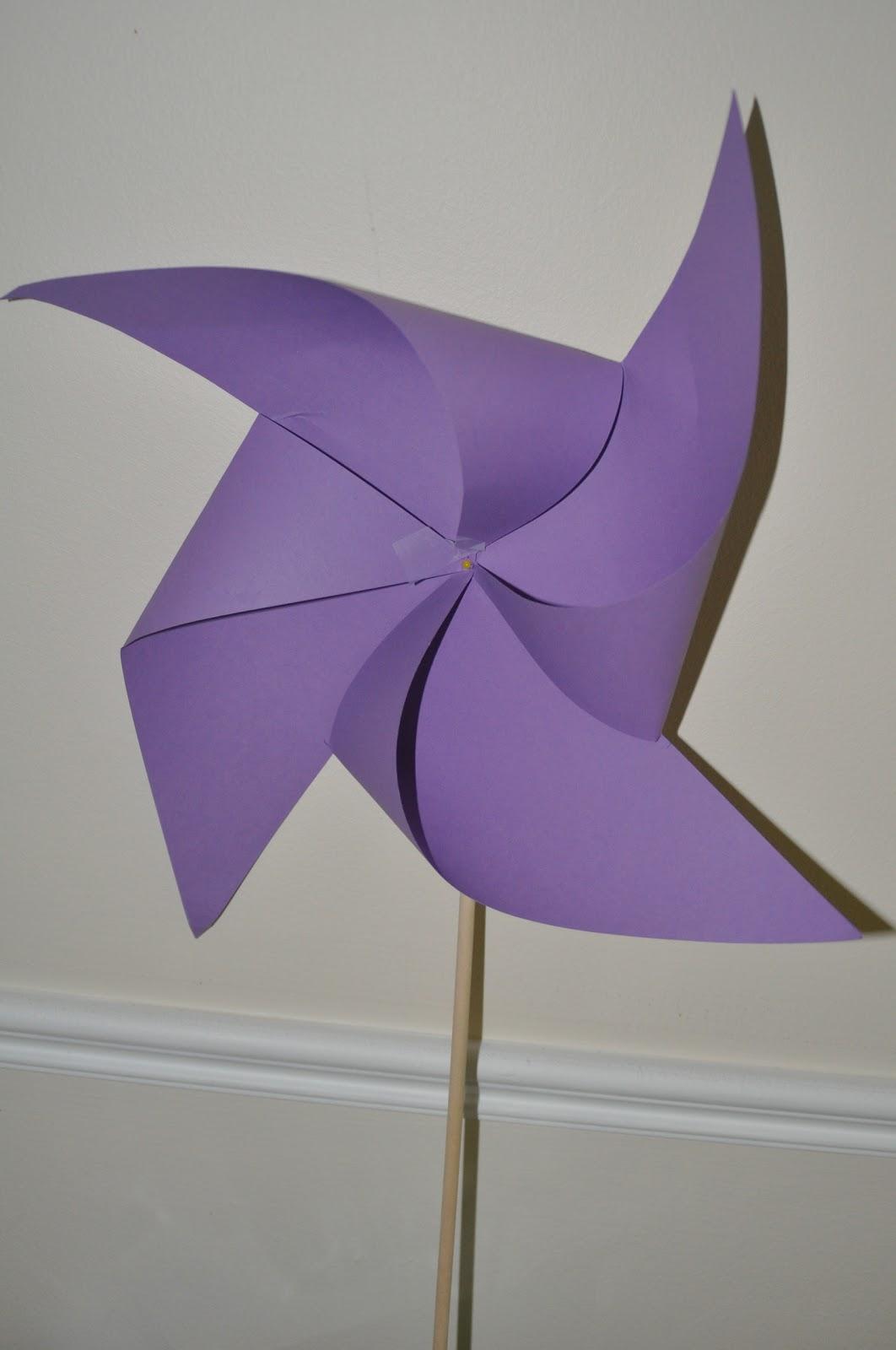 moulin vent en papier chocolat et scoubidou. Black Bedroom Furniture Sets. Home Design Ideas