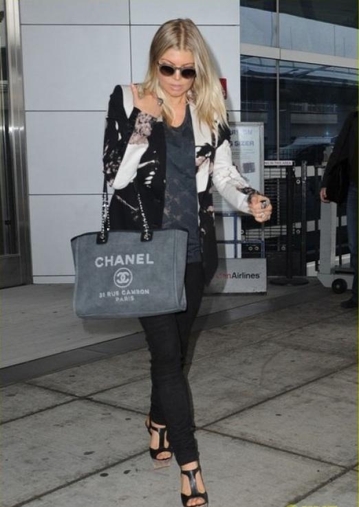 Home Decor Idea: Chanel shopping bag: Deauville tote