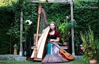 http://dandelion01.blogspot.de/2015/08/ein-musikalisches-fotoshooting-teil-1.html