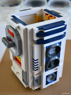 lego r2d2 - now it's starting to look properly like everyone's favourite droid