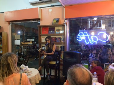 """Atriz Mariana Rosa e a leitura dramatizada da """"Palavra fora de si"""" no café e livraria Multicultura"""