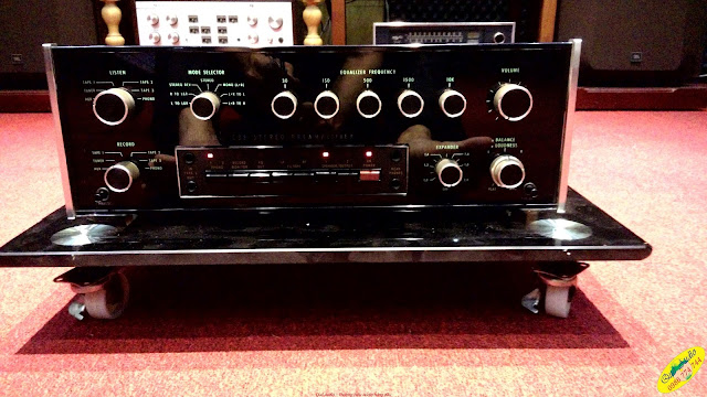 Pre-amplifier McIntosh C32 - Made in USA
