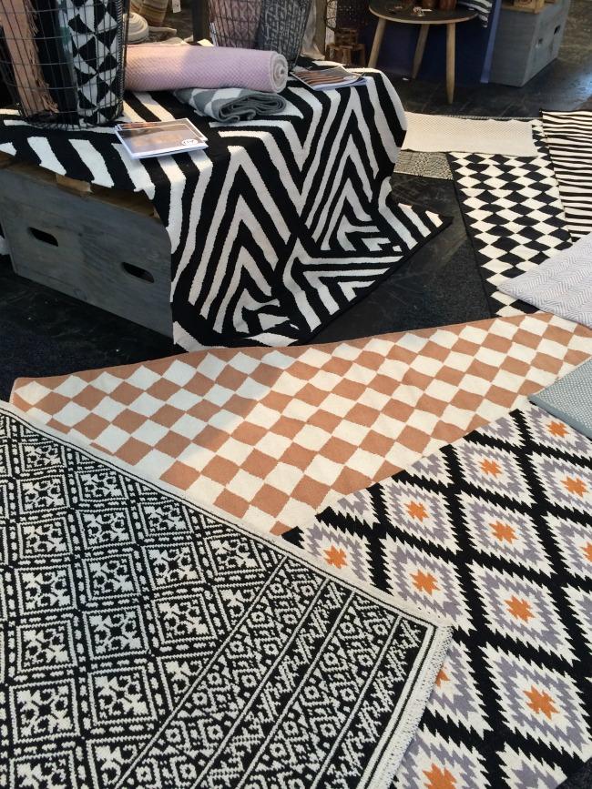 look pimp your room teppiche. Black Bedroom Furniture Sets. Home Design Ideas