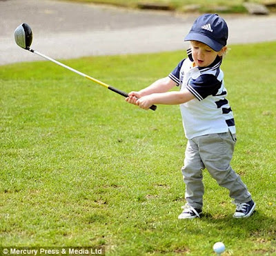Tiger Woods young kid playing golf funny