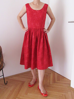 http://ladylinaland.blogspot.hr/2015/09/little-red-dress.html