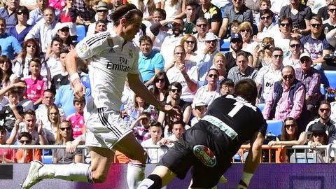 Ronaldo vượt Messi