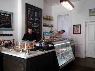 Le Neuf Café Toronto