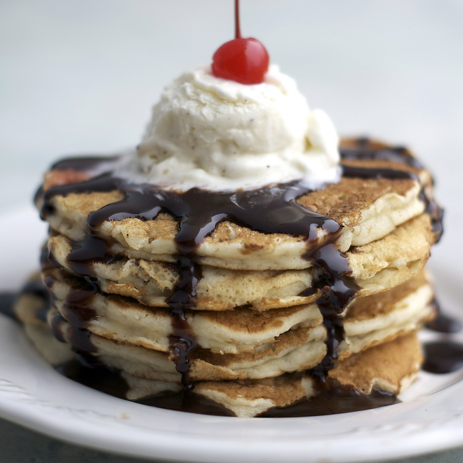 banana split pancakes