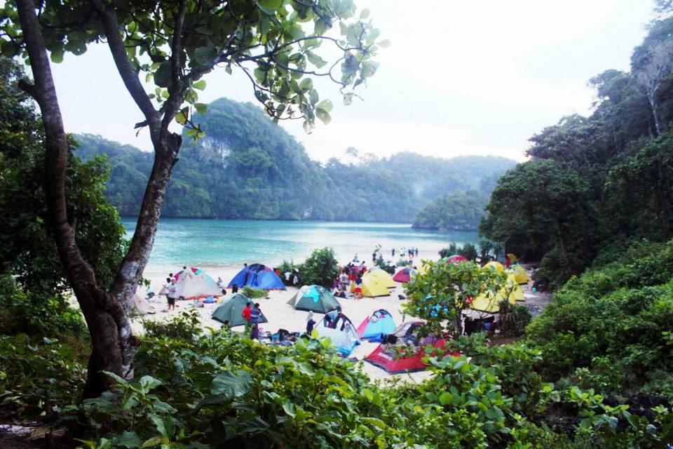 Daftar Wisata Pantai Malang - Pulau Sempu