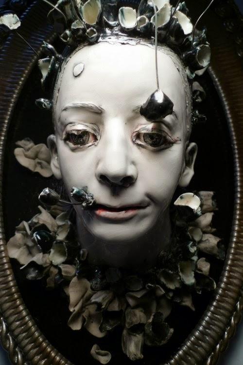Sarah Louise Davey esculturas sombrias macabras pesadelo mulheres ninfas