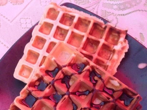 Easy Eggless Waffle