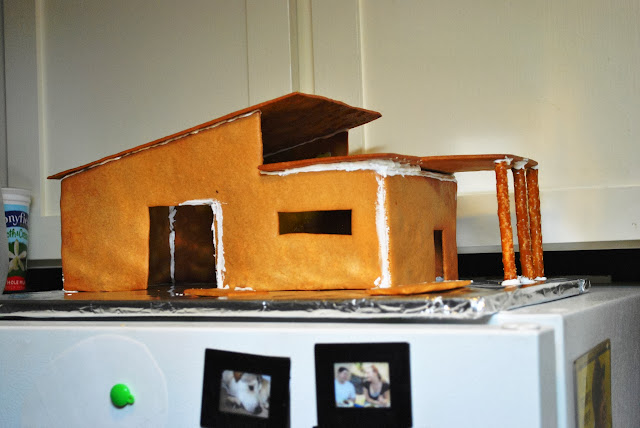 Mid-century gingerbread house setting