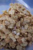 Inhalt Müsli Flakes, Reis, Haferflocken und Honig