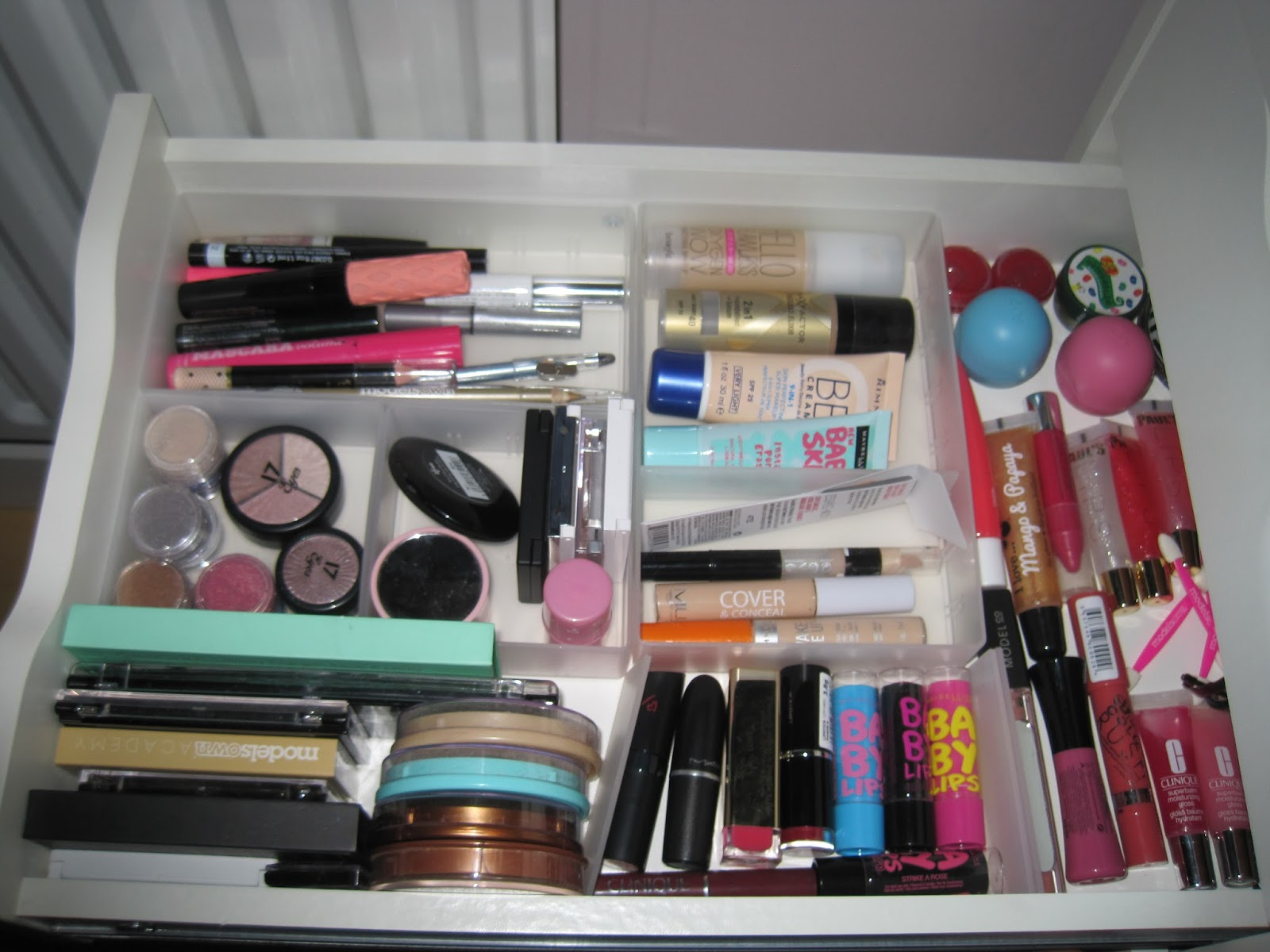 Erin Alexandra Muji Makeup Storage
