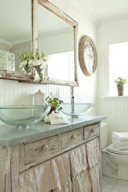 Decorando y Renovando: Restaurando muebles para el baño