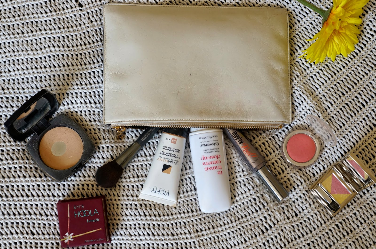 what's in my make up bag