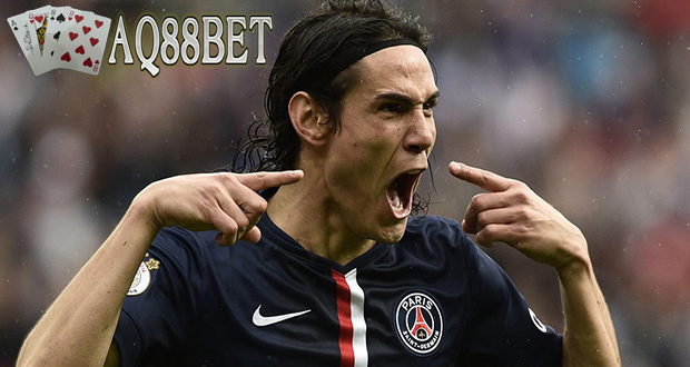 Liputan Bola - Demi menyelamatkan muka usai kalah bersaing di bursa transfer musim panas ini, Klub AC Milan siap menggelontorkan dana besar untuk mendaratkan striker Paris Saint Germain, Edinson Cavani.