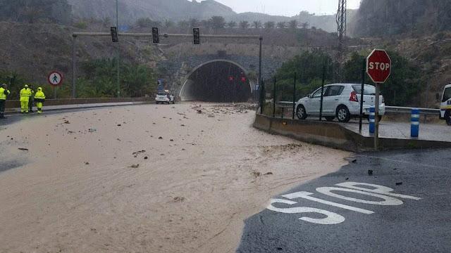 Túnel de La Laja cerrado por las fuertes lluvias