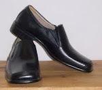 bang ahmad tri afandi jual sepatu pantofel murah meriah.bila berminat hubungi 085736333348