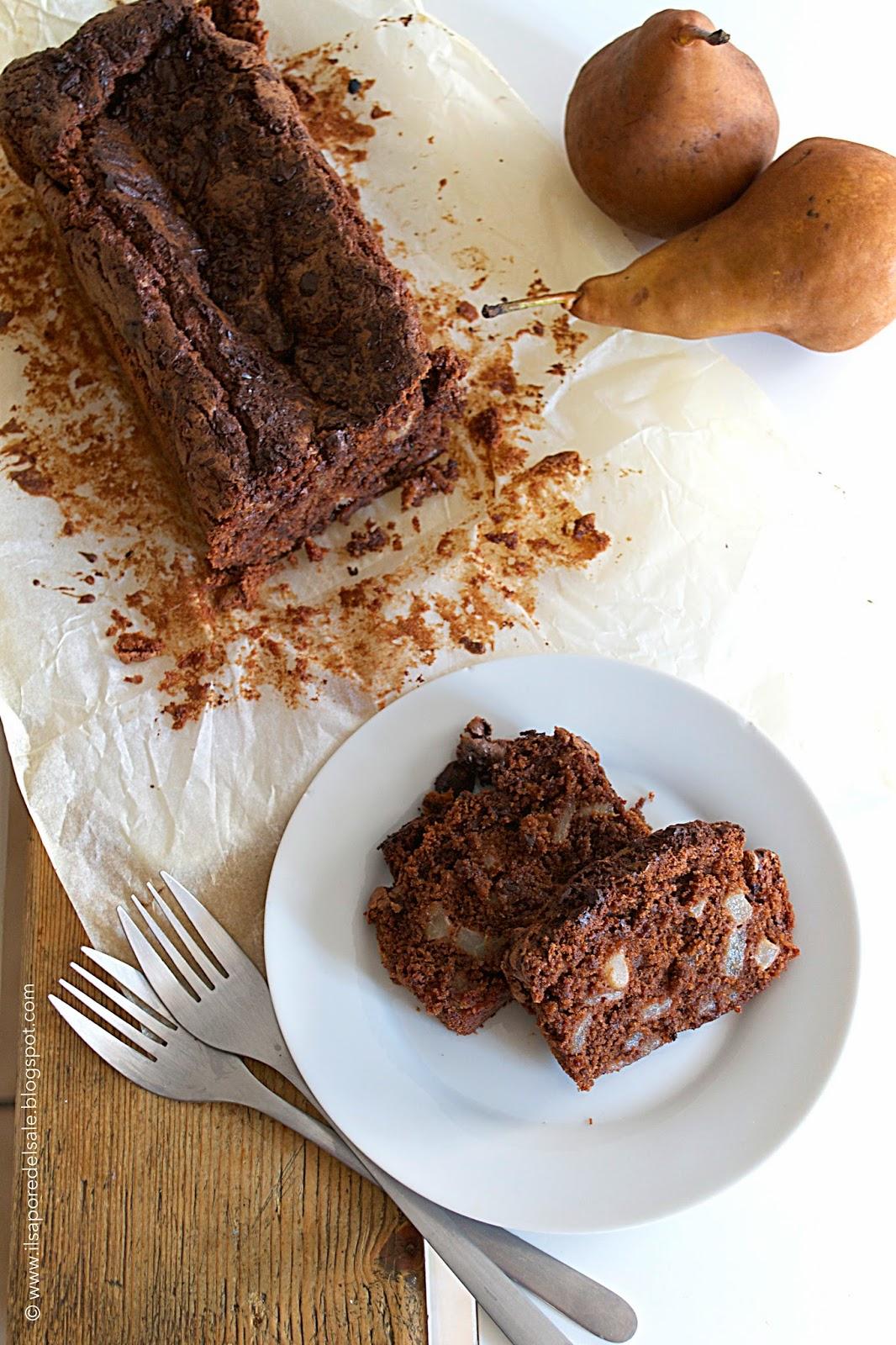 torta morbida cioccolato, pere e cannella