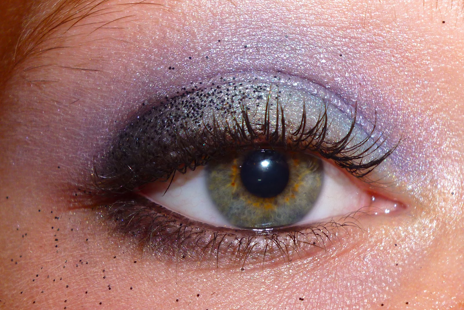 Beaut au quotidien maquillage de f te smockey eye bleu pour les yeux marrons - Maquillage bleu yeux marrons ...
