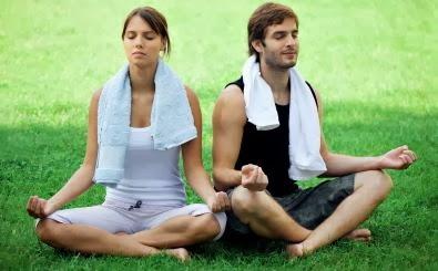 Conscious Dating - man woman yoga meditation