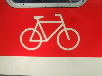 Die Fahrradmitnahme in der Bahn erfolgt oft in separaten Fahrrad-Abteilen!
