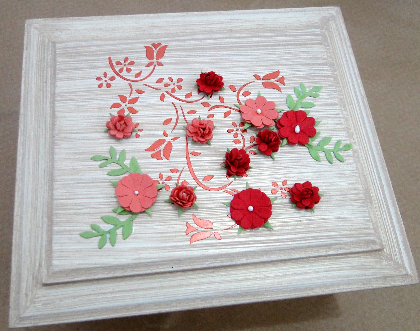 Artes Artesanato em tecido madeira e cartonagem: Caixa Porta Jóia #B01B29 1600x1264