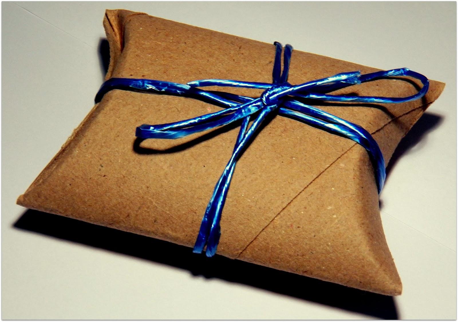 Verlagssystem empaquetando - Paquetes de regalo ...