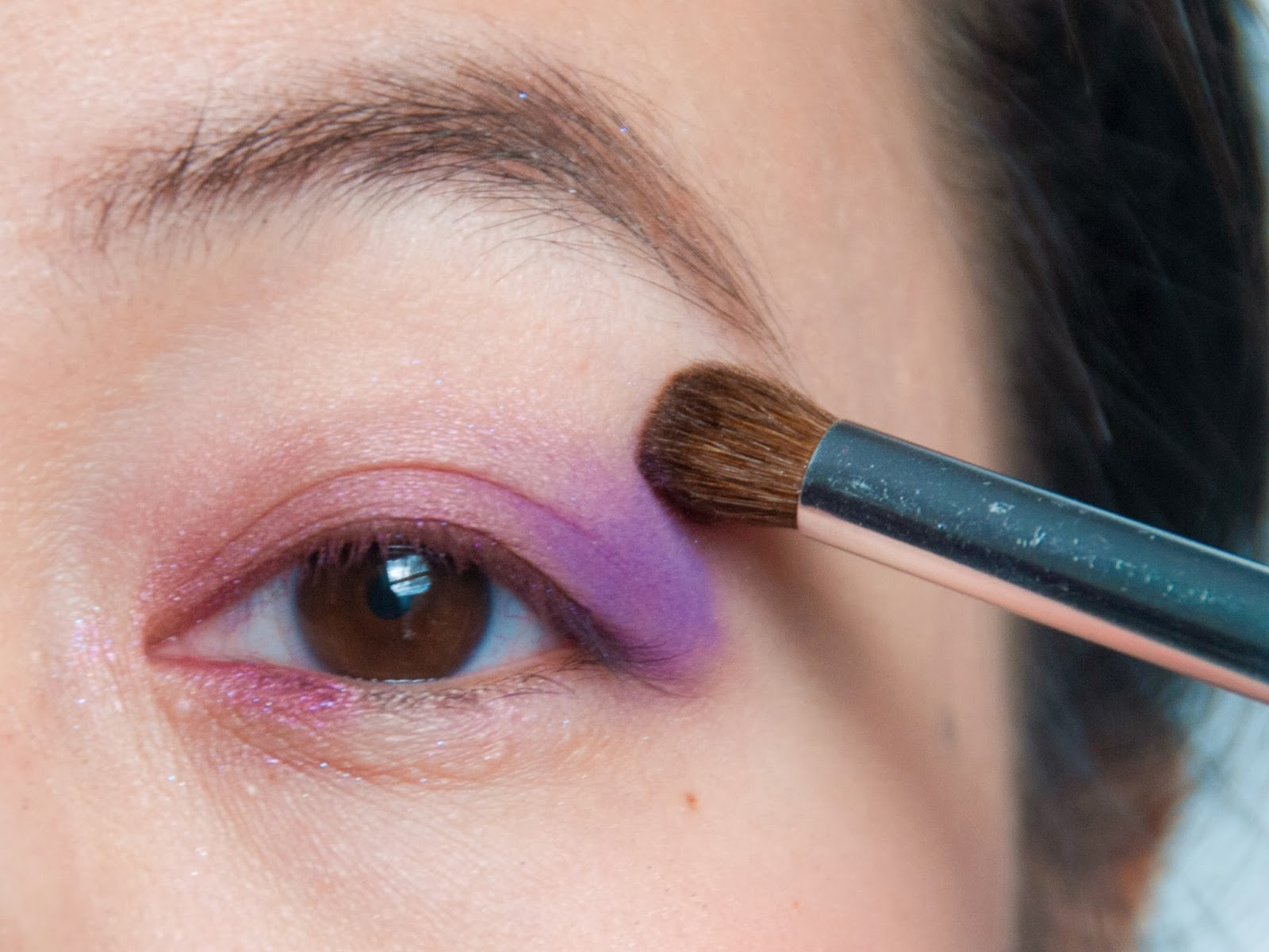 beauty makeup eye shadow tutorial pink purple eyeliner
