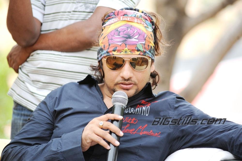 Oosaravelli Working Stills - NTR & Tamanna Telugu Movie