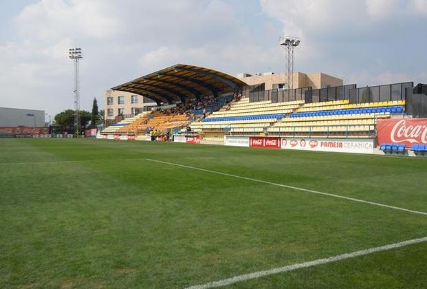 Estadios de f tbol en espa a villa real ciudad for Puerta 8 ciudad deportiva