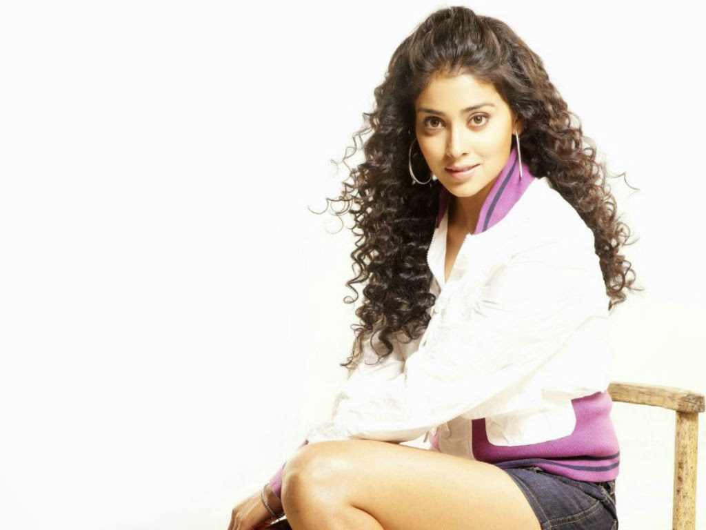 Sexiest Hot Pics of Shriya Saran for Desktop 1080p