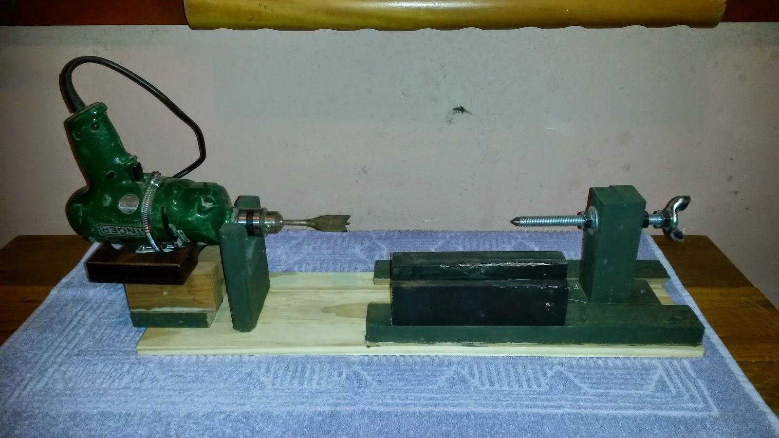 de bancada e que construí esse mini torno para madeira #5C4D21 1600x900