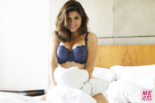 Tiffani Thiessen in Lingerie