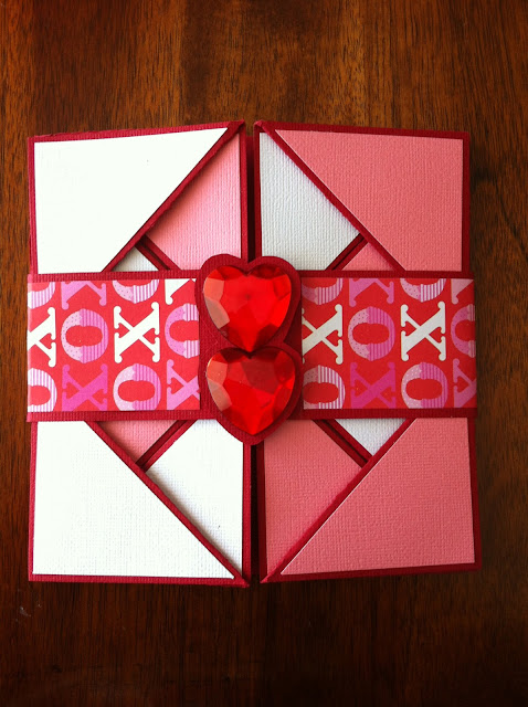 valentines-day-card-hearts-xox-napkin-fold-love