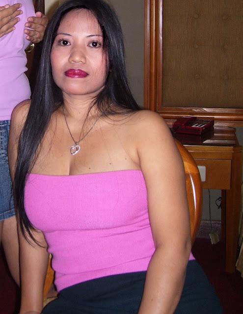 Tante Girang Hot Berbaju Pink Menggoda