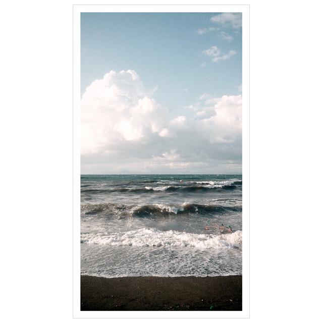 Fotografia di mare in tempesta sull'isola di Procida