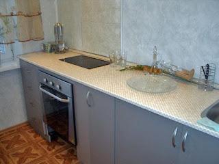 В квартире встроенная итальянская кухня фото