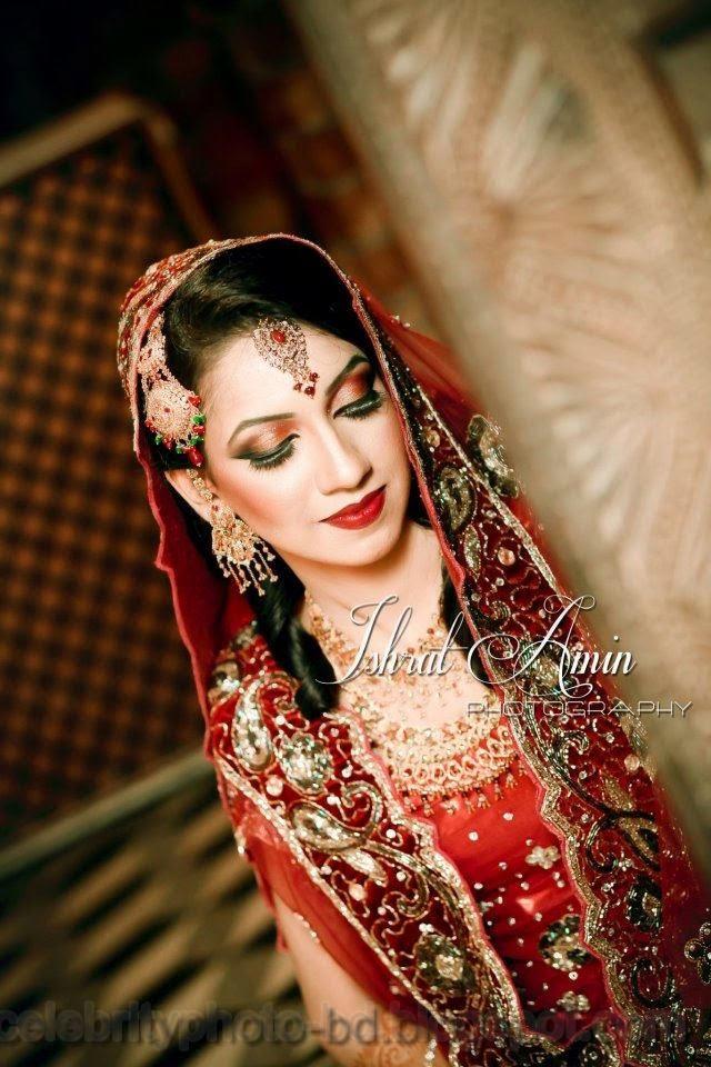 Beautiful+BANGLADESHI+BRIDE+WITH+GORGEOUS+MAKE UP+Photos+Collection015
