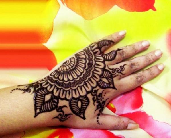 Mehndi Hands Png : Mehndi design for hands party female back hand
