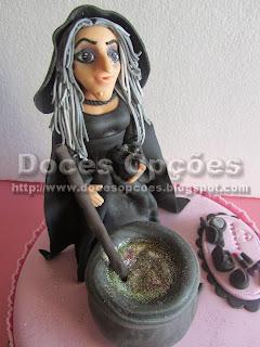 bolo aniversário bruxinha