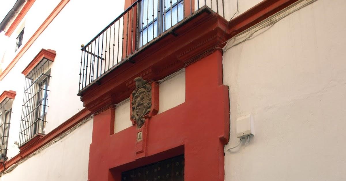 Sevilla daily photo la casa de los armenta - La casa de los uniformes sevilla ...